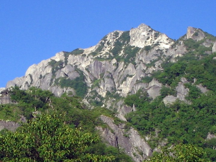 黒戸尾根から望む甲斐駒ヶ岳