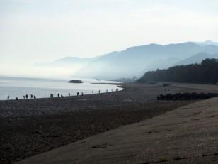 朝の翡翠海岸
