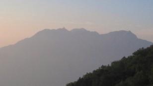 朝日のシルエット 鳳凰三山