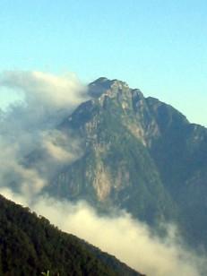 雲と岩と空