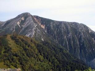常念岳の長い稜線