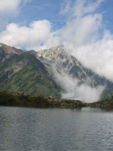 八方池からの白馬鑓ヶ岳(2903m)