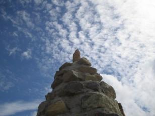 うろこ雲とケルン
