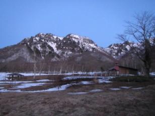 キャンプ場からの戸隠山