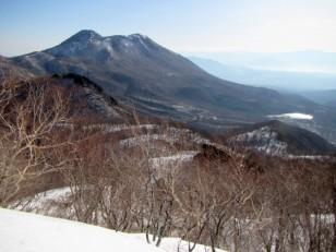 黒姫山高原に氷結野反湖