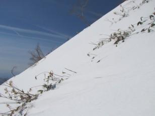 30°以上ある雪斜面
