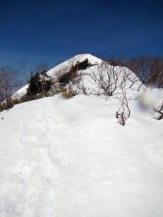 平坦な頂上稜線
