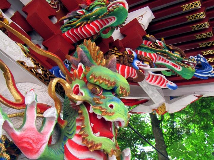 三峯神社 手水舎の龍