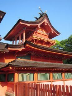 二階建ての本殿