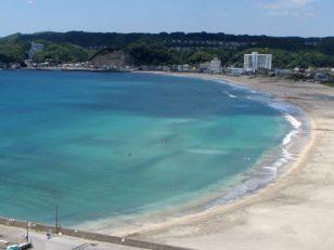 御宿 岩和田 エメラルド色の海