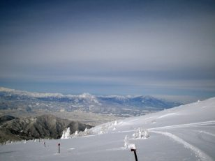 雪の根子岳登山道