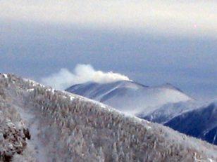 噴煙上がる浅間山